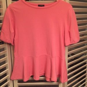 Halogen pink ruffled top. Stretch.